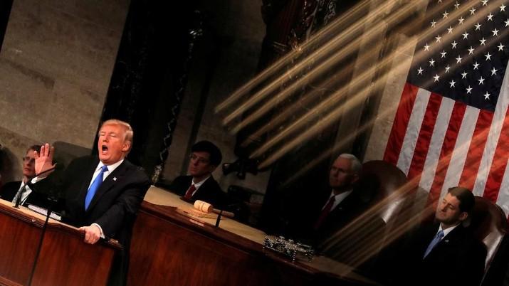 Selain kesepakatan dengan dua sekutunya, Trump juga menyinggung tentang kesepakatan yang berhasil ia capai dengan Korea Utara dan Selatan.