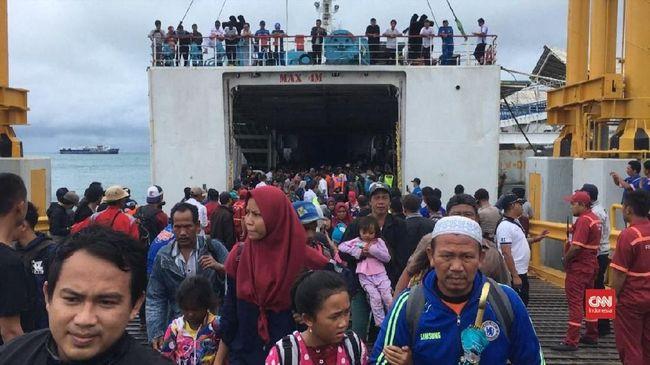 Evakuasi Warga Sebesi, TNI AL Kerahkan KRI Teluk Cirebon