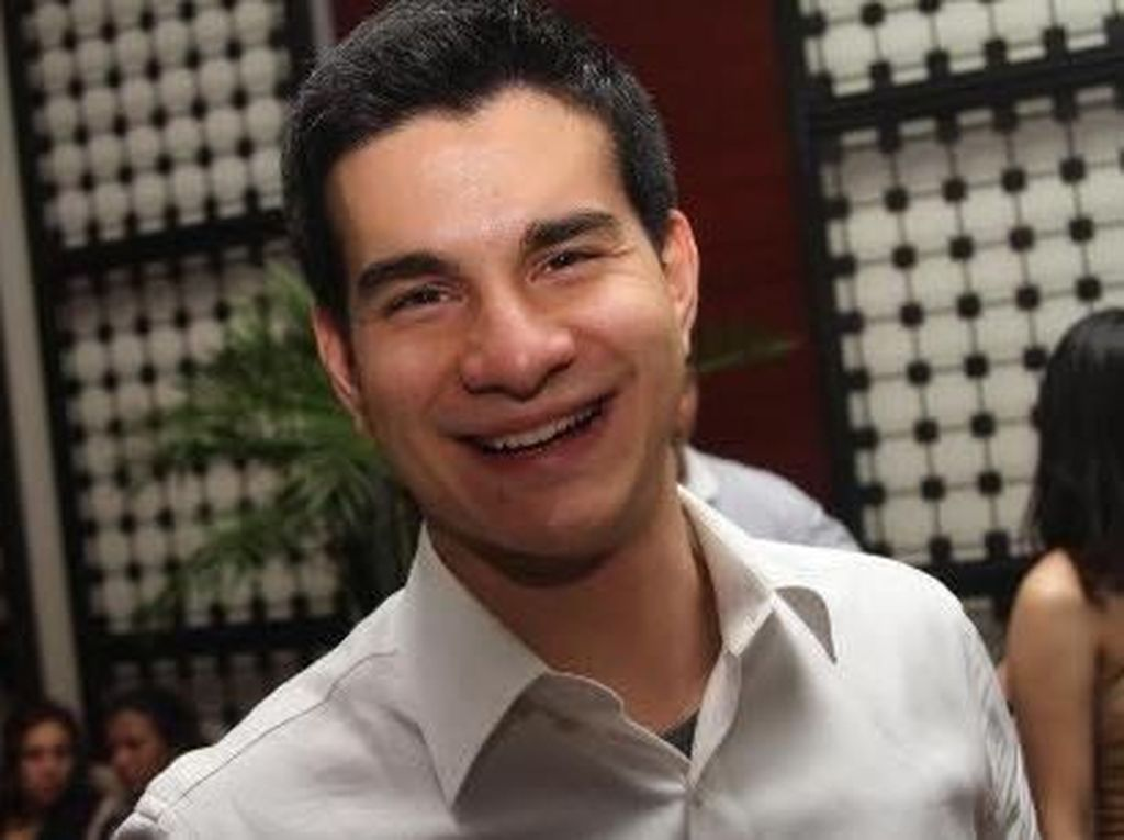Usai menjadi mualaf Steve memilih untuk meninggalkan dunia entertaint dan menjadi caleg DPR dari partai Gerindra di tahun 2009 lalu.Dok.detikHOT