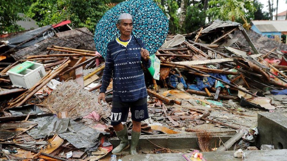 Bencana terakhir, yang datang selama periode Natal, membangkitkan ingatan akan tsunami Samudra Hindia yang dipicu oleh gempa bumi pada 26 Desember 2004. REUTERS/Jorge Silva