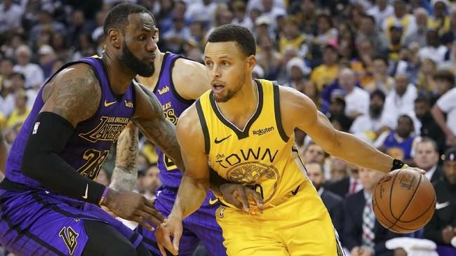 Los Angeles Lakers memimpin skor atas Golden State Warriors 32-25 pada kuarter pertama di markas tim lawan pada laga NBA 2018, di Stadion Oracle Arena. (Mandatory Credit: Kyle Terada-USA TODAY Sports)