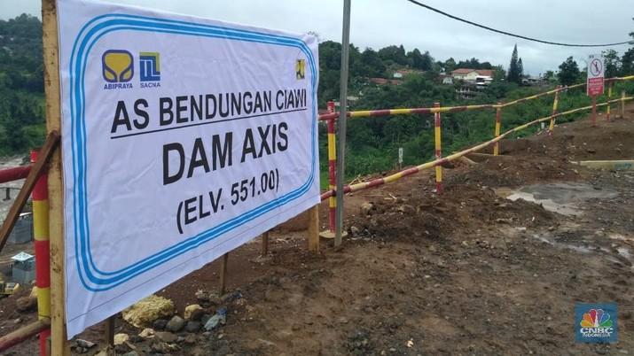 Solusi Jokowi & Anies Cegah Banjir DKI Sama Saja: Buat Waduk