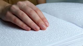Pertama Kali Ada KBBI Braille di Indonesia
