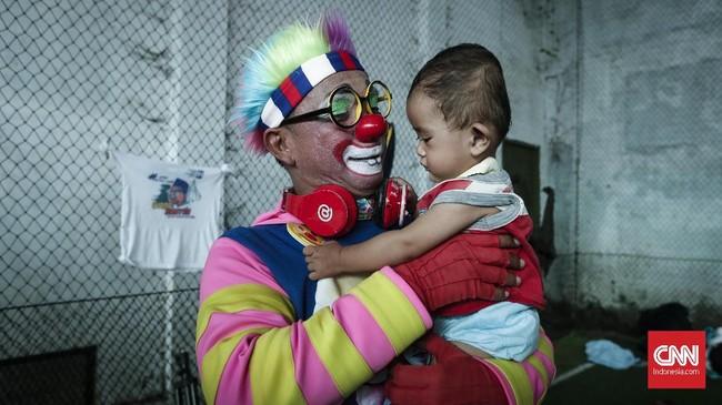 Bermain menjadi metode pemulihan trauma yang tepat untuk anak-anak.(CNNIndonesia/Safir Makki)