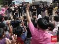 Baju Bekas Melimpah, Korban Tsunami Banten Ambil Dua Karung