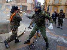 Saat Tepung dan Telur Jadi Amunisi Perang di Spanyol