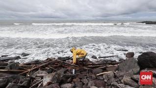 Awas, Tinggi Gelombang Laut Selatan Jateng-DIY Capai 6 Meter