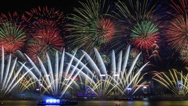 Pesta Kembang Api di Victoria Harbour Hong Kong Ditiadakan