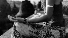 Membangkitkan Energi Terbesar dengan Meditasi Kundalini