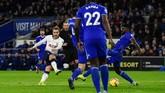 Tottenham Hotspur kemudian menggandakan keunggulan pada menit ke-12 melalui gol Christian Eriksen setelah menerima umpan dari Son Heung-min. (REUTERS/Rebecca Naden)
