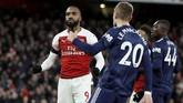 Arsenal baru mampu menggandakan keunggulan pada menit ke-55 melalui Alexandre Lacazette yang meneruskan umpan tarik Sead Kolasinac. (Reuters/John Sibley)