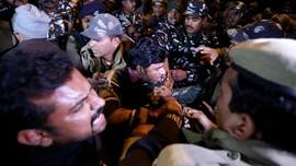 Protes Perempuan Masuk Kuil India, 750 Orang Ditahan