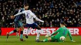 Fernando Llorente mencetak gol keduanya dalam laga itu atau gol kelima untuk Tottenham dalam laga melawan Tranmere pada menit ke-71 berkat assist Oliver Skipp.(Action Images via Reuters/Carl Recine)