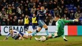 Usai memberikan dua assist untuk gol Llorente dan Aurier,Son Heung-min akhirnya bisa juga ikut mencetak gol pada menit ke-57. Gol dari Son tercipta setelah menerima ummpan Oliver Skipp. (Action Images via Reuters/Carl Recine)