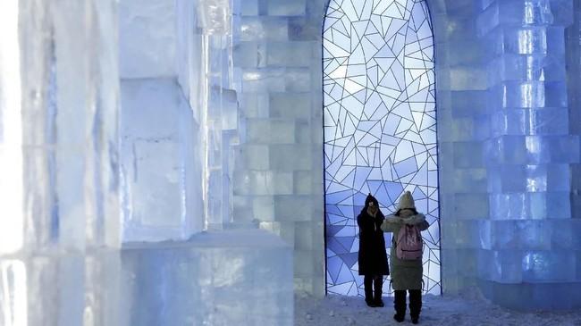 Kota Harbin merupakan destinasi wisata musim dingin di Negara Panda. Suhu musim dingin di sini terbilang paling dingin seantero China. Suhu di sini dapat turun hingga minus 35 derajat Celcius.