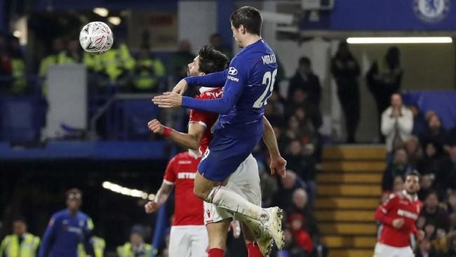 Alvaro Morata membuktikan diri sebagai salah satu striker terbaik dunia dengan torehan dua gol ke gawang Nottingham. (Reuters/Matthew Childs)