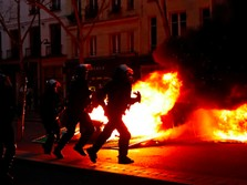 Aksi Protes Rompi Kuning Kembali, Paris Mencekam