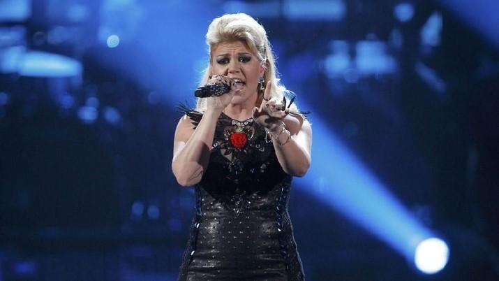 Kisah karir Kelly Clarkson tak semulus yang diduga, ia pernah bekerja serabutan dan bangkrut sebelum jadi idola
