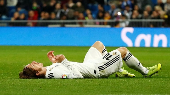 Kekalahan dari Real Madrid membuat Los Blancos masih terpaku di posisi kelima dengan nilai 30 poin. Mereka tertinggal 10 angka dari Barcelona. (REUTERS/Juan Medina)