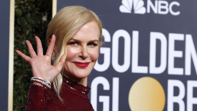 Tren Riasan Natural di Karpet Merah Golden Globe Awards 2019