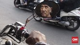 Wahyu berharap di masa depan kujang akan tetap diminati, demi melestarikan warisan leluhur. Selain itu, ia berharap kujang bisa dianggap sebagai salah satu ikon nasional. (CNN Indonesia/Harvey Darian)