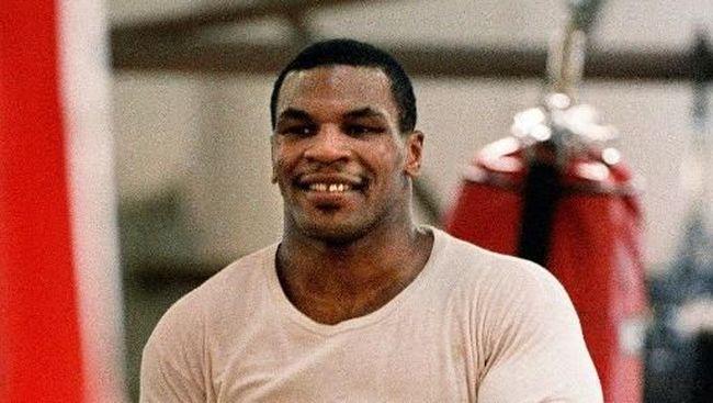 Tyson Jadi Petinju karena Burung Dara Peliharaan Dibunuh