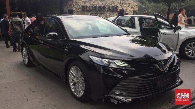 Buka 2019, Toyota Rilis Sedan untuk Para Bos