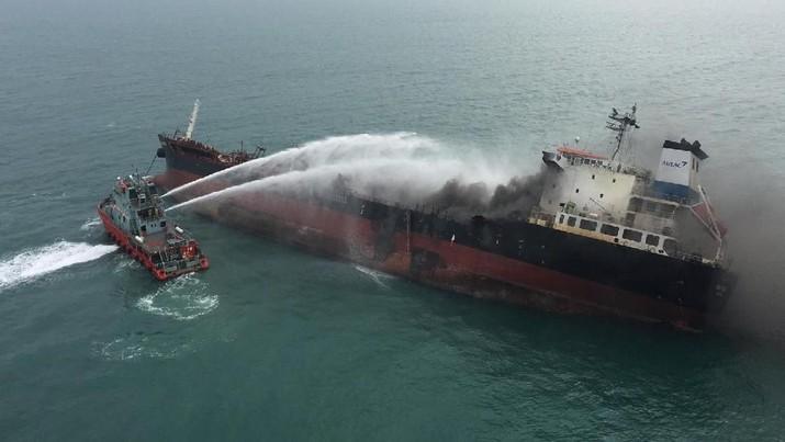 Ledakan Kapal Tanker di Hong Kong Memakan Korban Jiwa