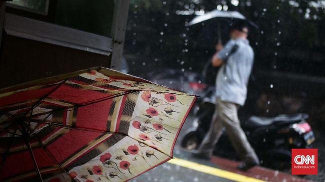 Malam Natal, Waspadai Hujan Disertai Angin Kencang di Jaksel