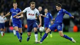 FOTO: Gol Kontroversial Kane Menangkan Tottenham atas Chelsea