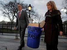 Protes Shutdown, Pejabat Kirim Tong Sampah untuk Trump