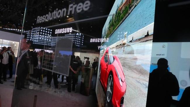 Tak mau kalah, Samsung juga turut pamer layar microLEDyang mampu menampilkan akurasi warna lebih baik dibandingkan LCD dan LED.(Justin Sullivan/Getty Images/AFP)