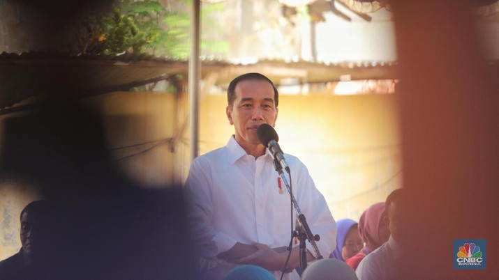 UMKM Kalah Saing, Jokowi Beberkan Masalahnya