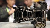Nikon membedah kamera profesional D5 untuk menunjukkan kemampuannya mengabadikan foto secara simultan 12fps yang hasilnya 'anti blur'. (Justin Sullivan/Getty Images/AFP)