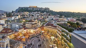 Bangunan Hancur dan Telepon Putus Pasca Gempa Yunani 5,1 SR