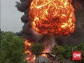 Gudang Diduga Penyimpanan BBM Meledak di Jalan Lintas Sumatra