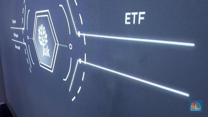 ETF adalah kontrak investasi kolektif yang unit penyertaannya dicatat dan diperdagangkan di bursa efek seperti halnya saham.