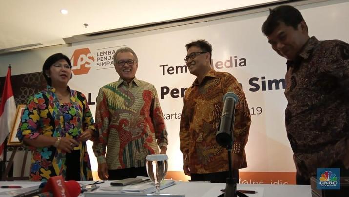 Industri perbankan Indonesia masih saja tetap seksi.