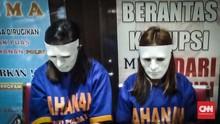 Dua Muncikari Prostitusi Online Disidang di Surabaya