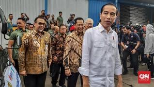 Blusukan ke Pasar, Jokowi Sebut Harga Beras Stabil