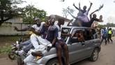 Namun, di sejumlah tempat pemungutan suara disebut kalau kandidat yang unggul adalah tokoh oposisi Martin Fayulu. Diduga ada kongkalikong antara Joseph Kabila dan Tshisekedi untuk berbagi kekuasaan. (REUTERS/Kenny Katombe)