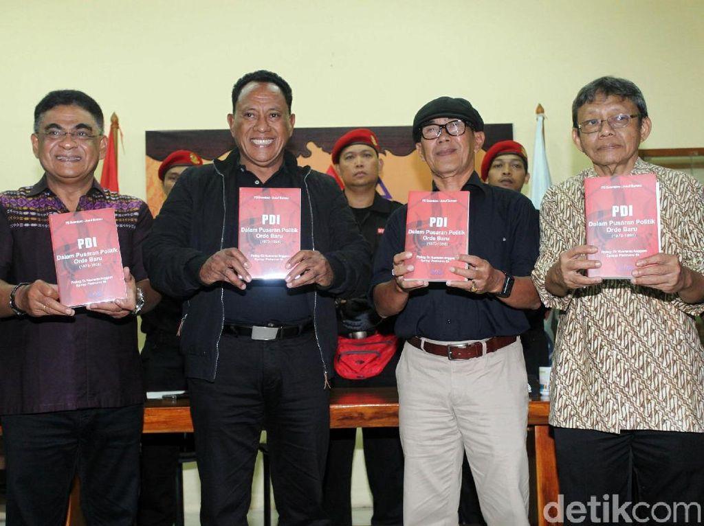 PARA Syndicate melakukan peluncuran buku yang berjudul PDI Dalam Pusaran Politik Orde Baru (1973-1998) dalam rangka memperingati HUT ke-46 PDI Perjuangan.