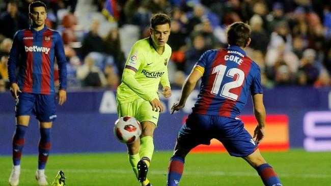 Barcelona menghadapi Levante pada laga leg pertama babak 16 besar Copa del Rey. Philippe Coutinho dipercaya turun sebagai penyerang sayap di laga ini. (REUTERS/Heino Kalis)
