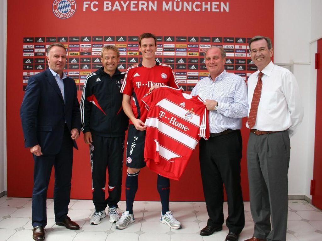 Satu musim berselang giliran Tim Borowski yang menyusul Klose. Kehilangan Borowski cukup melemahkan permainan Bremen. (Foto: Handout Bayern Munich via Getty Images)