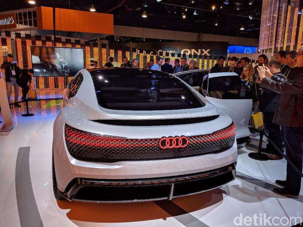 Tidak hanya tampilannya yang keren, inovasi teknologi tentu juga sudah disiapkan pada mobil ini seperto drivetrain, suspensi, dan digitalisasi. Seperti yang tertulis pada situs resmi Audi. Foto: Adi Fida