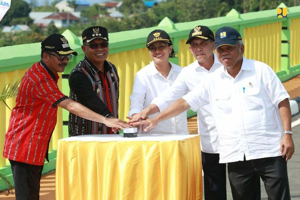 Lama Dinanti, Kini Dua Pulau di Maluku Tersambung Jembatan