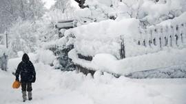 Badai Salju Terjang Kanada, Sekolah Sampai Penerbangan Tutup