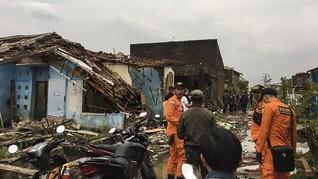 Angin Kencang Terjang Puluhan Bangunan di Sumenep