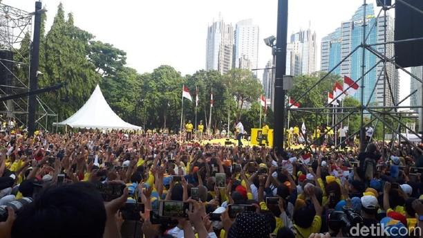 Suasana Alumni Universitas Deklarasi Dukung Jokowi-Maruf di Senayan
