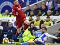 Bek Liverpool Tak Takut Lepas Messi dan Maju Menyerang